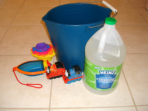 Photo: I gathered the bath toys, bucket, and Heinz Cleaning Vinegar....time for a soak!