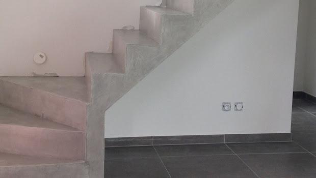 rénovation d'un escalier avec un enduit décoratif en béton ciré