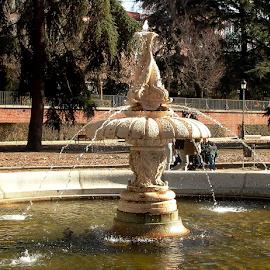 by Jon Crow - City,  Street & Park  Fountains