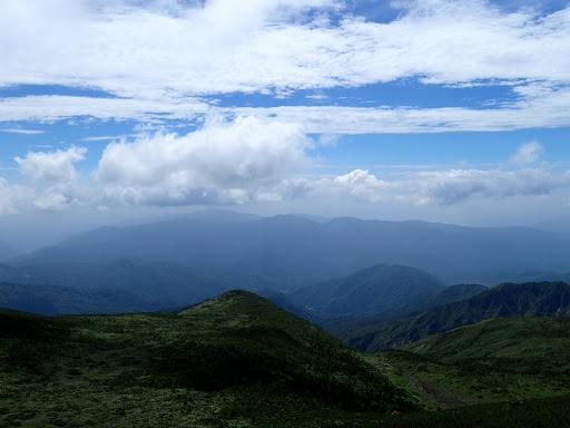 左から赤兎山・経ヶ岳・大長山など