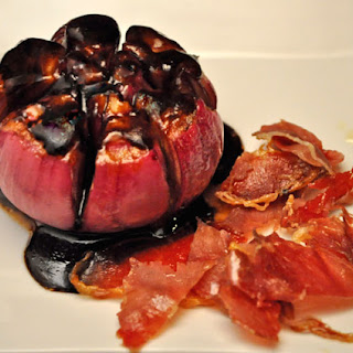 Roasted Red Onions with Crispy Ham
