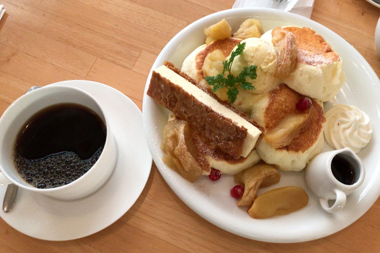11月の新作パンケーキ「メープル&ローストアップル」