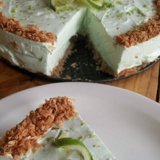 Low Carb Lime Coconut Cheesecake | Gluten Free | Wheatless Buns.