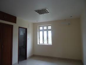 Photo: phòng ngủ lớn lầu 1