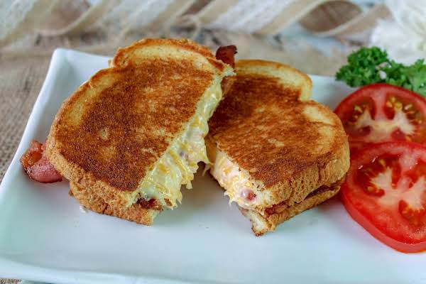 Bacon Pimento Cheese Sammie Cut In Half.