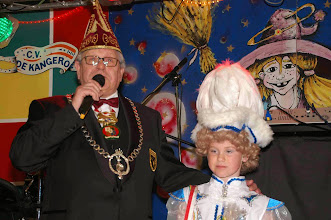 Photo: Trotse Opa(President) en kleindochter
