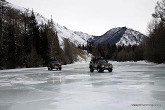 Photo: Подозрительно захрустел лед на правом берегу, меняем линию движения.
