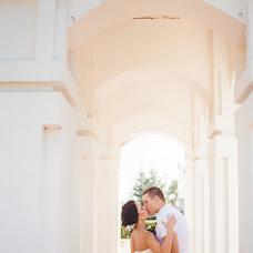 Wedding photographer Yuliya Zhnyakina (juliez). Photo of 18.12.2014