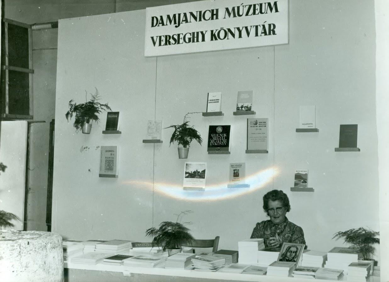 Ünnepi Könyvhét 1974