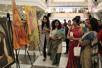 Photo: Eminent artist and Income tax Commissioner Ms Sangeeta Gupta inaugurated the 3rd edition of the lexicon art show here in delhi at Moments Mall