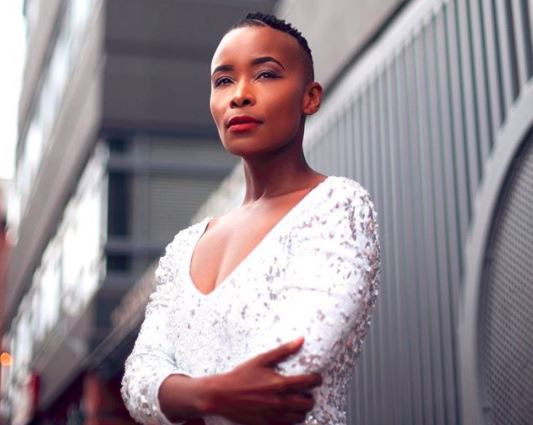 Bonnie Mbuli went for Pearl Thusi's 'black-face' pictures on Twitter.