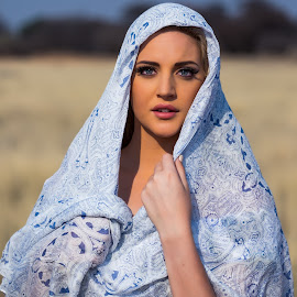 scarf by IDG Photography - People Portraits of Women