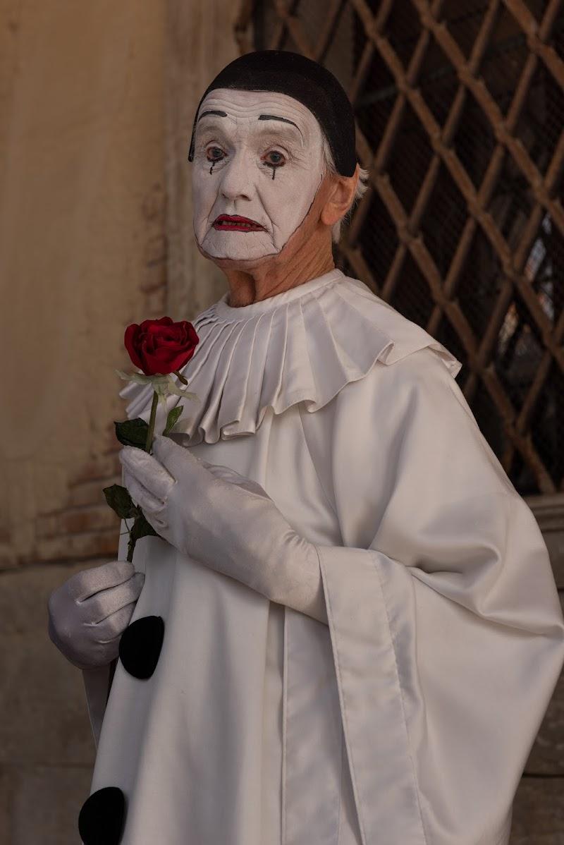 Un malinconico Pierrot di Giancarlo Lava