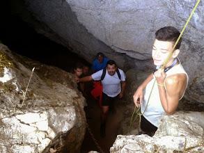 Photo: Entramos a la cueva de la Buitrera