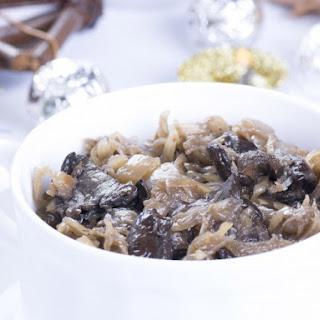 Sauerkraut and Mushrooms (Kapusta Kiszona Z Grzybami)
