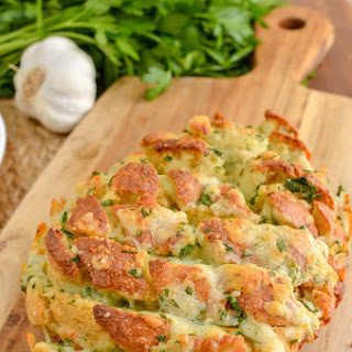 The Best Ever Syn Free Pull-Apart Cheesy Garlic Bread   Slimming World Recipe