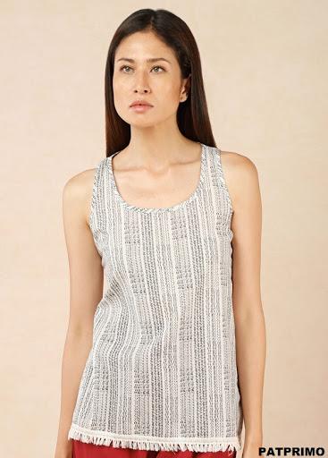 Blusa básica en algodón con flecos en el orillo