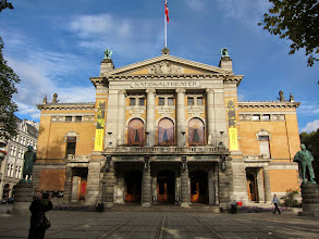 Photo: National Theater (with Ibsen standing in front)