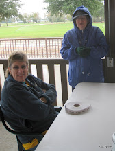 Photo: Marge Leventon and Laura Brown.   HALS Run Day 2009-1121