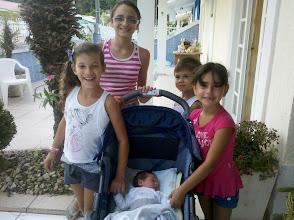 Photo: Crianças do condomínio com o Davi...
