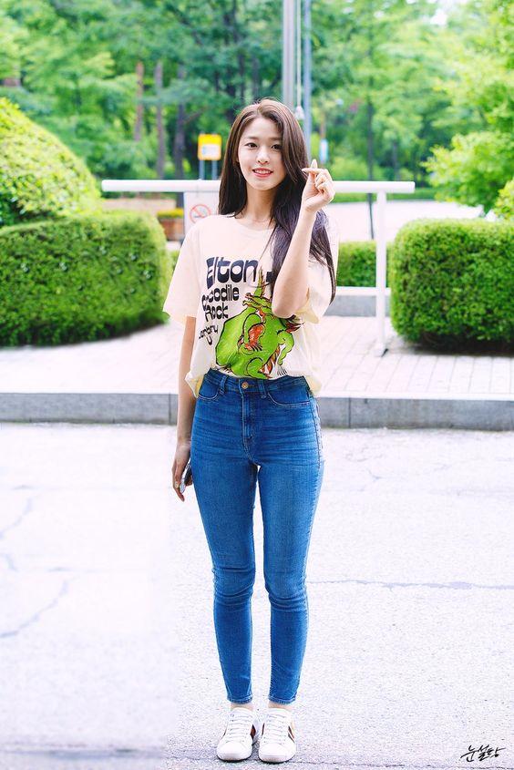 seolhyun jeans 2