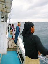 Photo: さあー!がんばって釣るぞー! っていうか、予報は1mから1.5mって言ってますがシケてます。