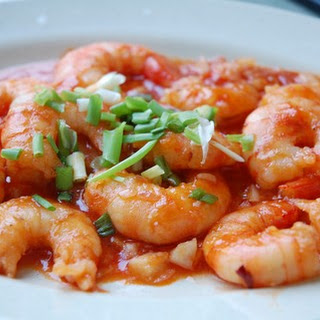 Spicy Shrimp In Tomato-Garlic Sauce Over Rice