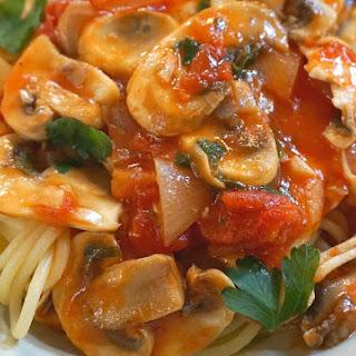 Pasta with Chicken, Tomato, Mushrooms and White Truffles