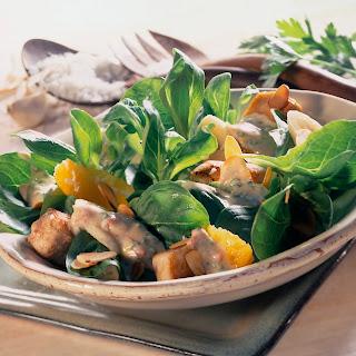 Fruchtiger Feldsalat mit gebratener Putenbrust