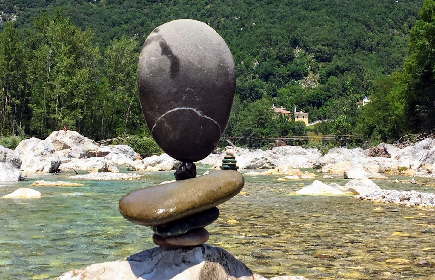 Stone Balancing alla passerella del Peron Sedico Belluno