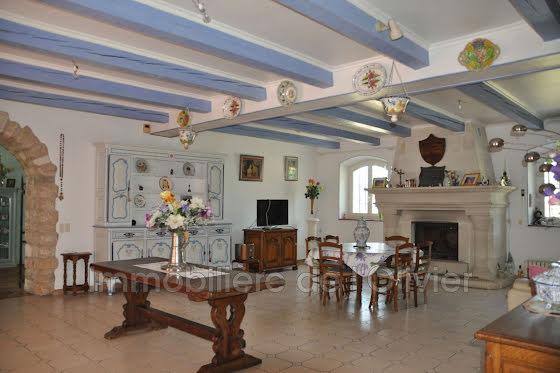 Vente propriété 14 pièces 300 m2
