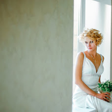 Wedding photographer Anzhelika Saakova (AngelaS). Photo of 01.12.2013