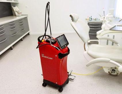 Лазерное лечение зубов и десны лазером
