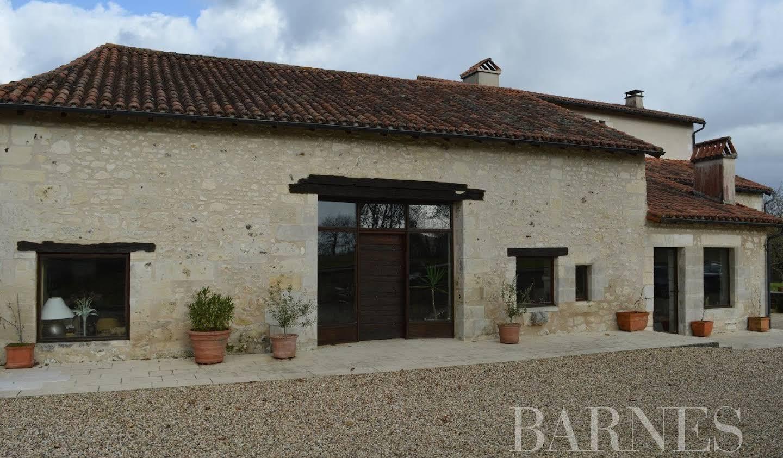 Maison avec piscine Léguillac-de-l'Auche