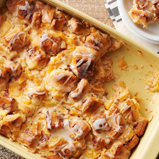 Cinnamon Roll-Peach Pie Breakfast Casserole.