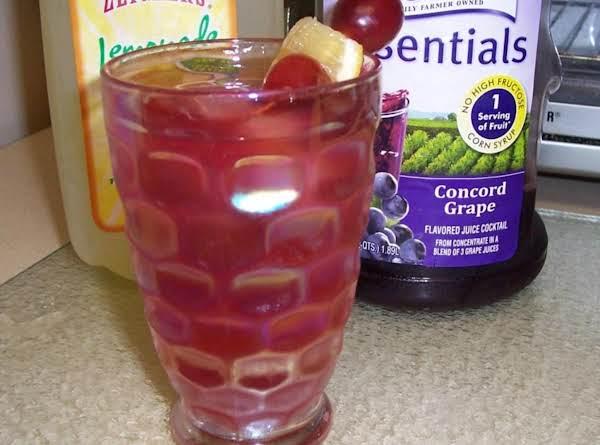 Grape & Lemonade Spritzer Recipe