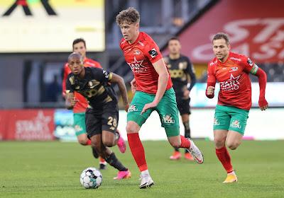 🎥 Quand deux joueurs d'Ostende s'engueulent après un but de Merveille Bokadi