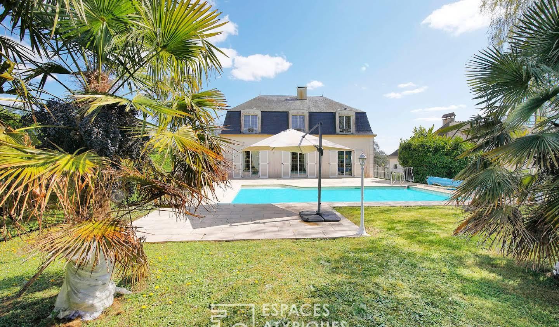 Maison avec piscine et terrasse Sens