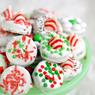 Holiday Dipped Peppermint Oreos - How To + Tips!