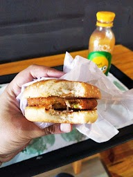 Burger Point photo 8