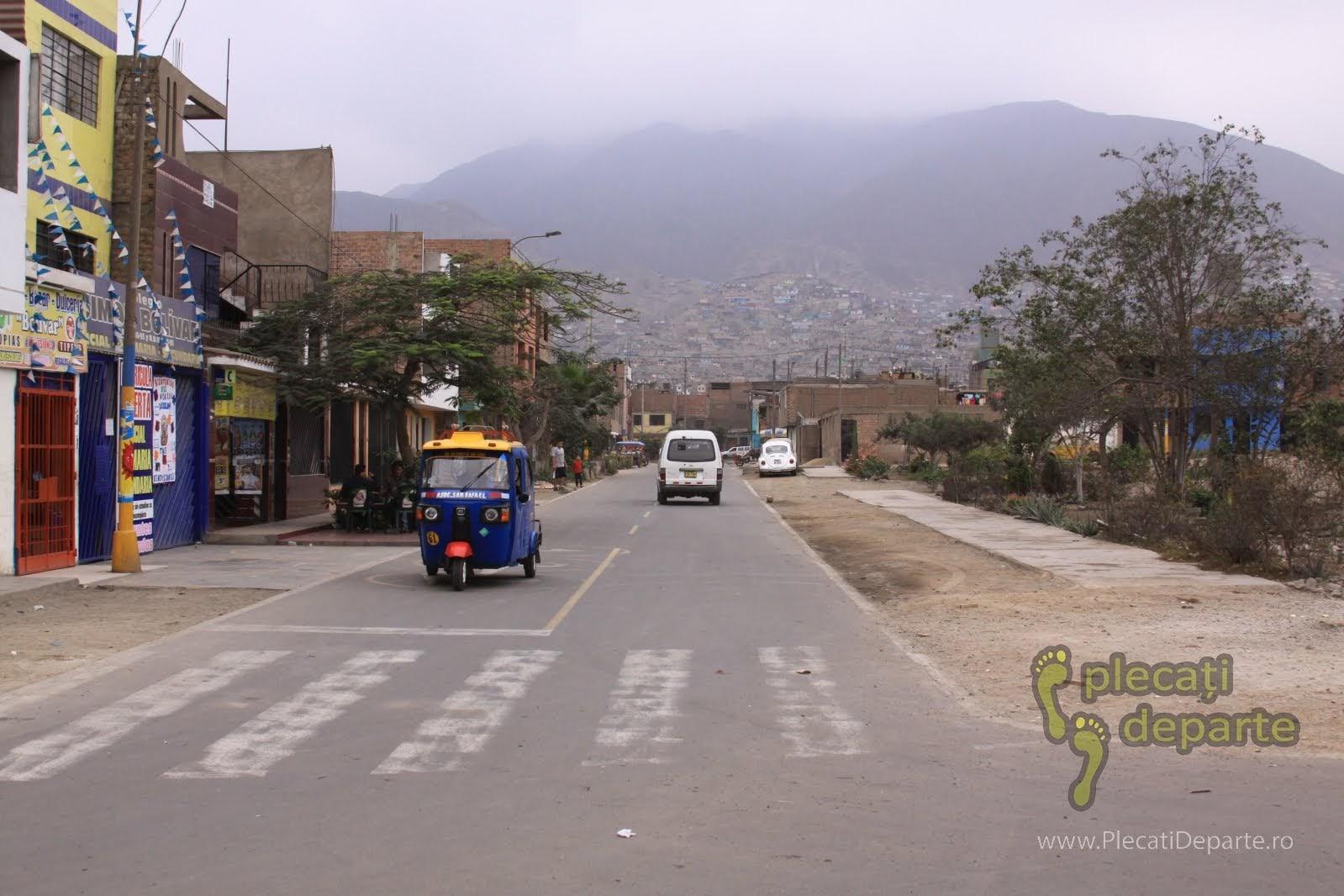 mototaxi in cartierul San Juan de Lurigancho, Lima, Peru