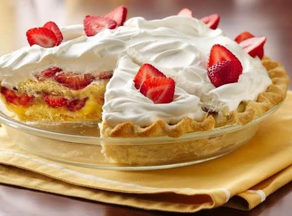 Slammin' Strawberry Shortcake Pie Recipe
