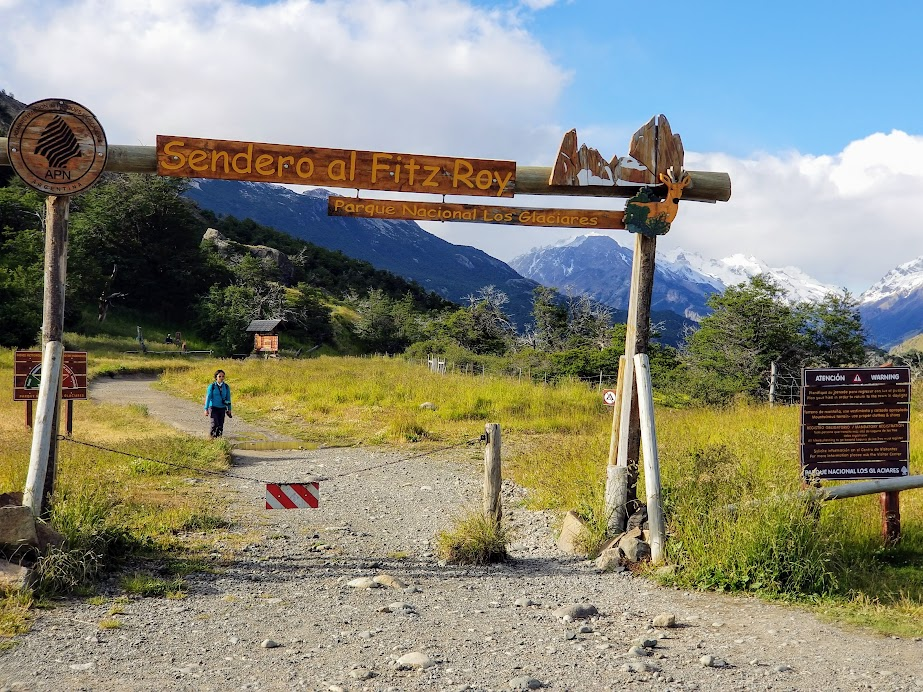 The trailhead to Laguna de Los Tres is at the end of the town of El Chalten