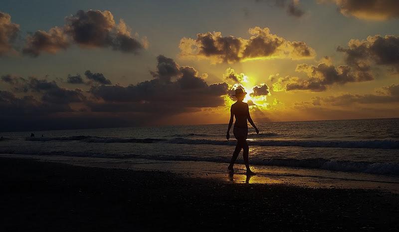 Passeggiata al tramonto di maxim63