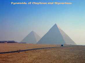 Photo: De Piramides van Chefren en Mikerinos