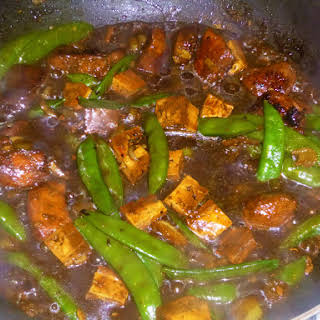 Chicken, Tofu, Fennel and Sugar Snap Pea Stir Fry in a Black Bean Sauce.