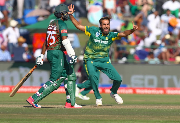 Imran Tahir of South Africa makes an unsuccessful appeal during the 3rd Momentum ODI match between South Africa and Bangladesh at Buffalo Park on October 22, 2017 in East London, South Africa.