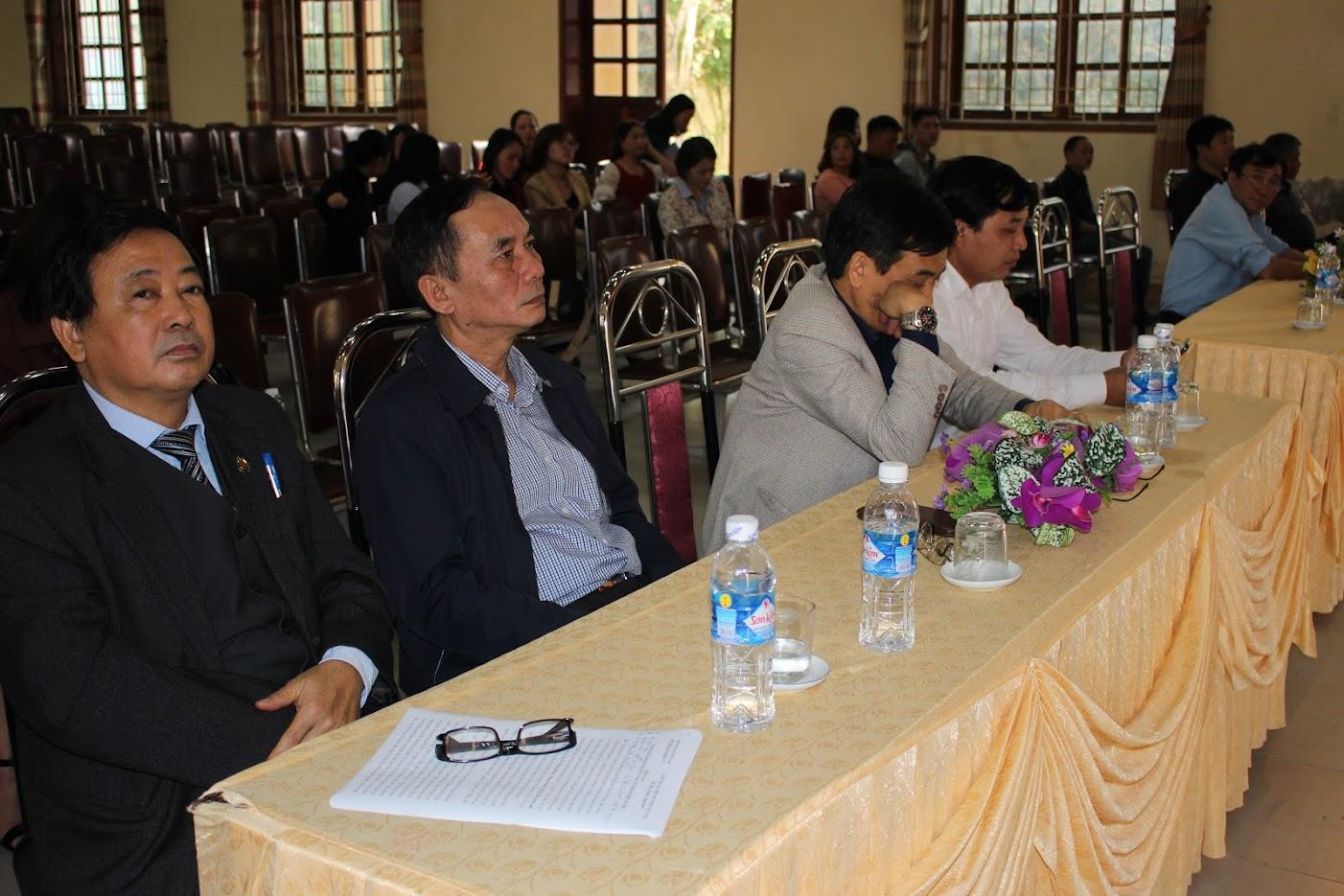 Các đại biểu tham dự buổi lễ bế mạc