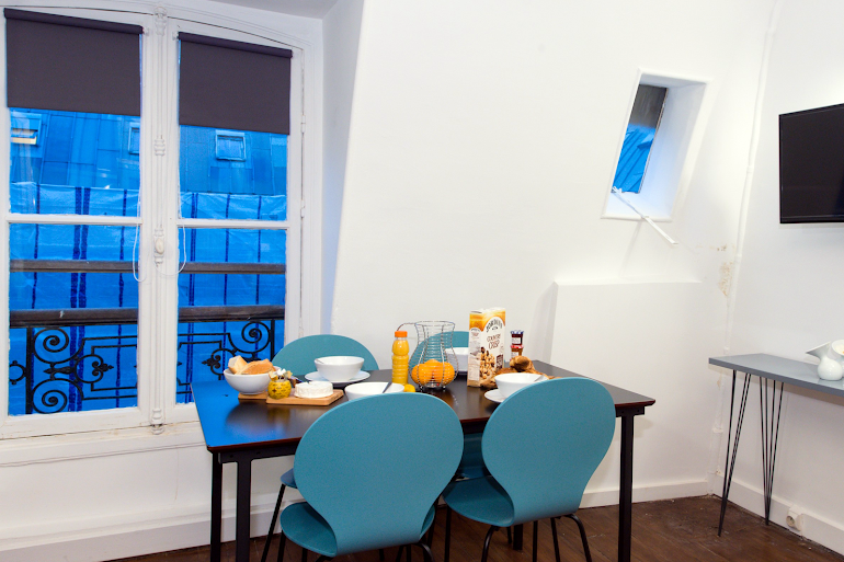 Dining space at Rue Saint Honore Serviced Apartment, Louvre