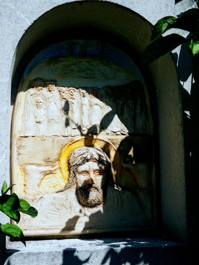 Gyermely - kálvária a Pap-hegy oldalában